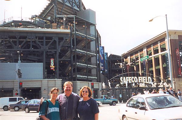 Kimmy, the other Bob in Forks (Olympic Sporting Goods owner), and Fishgal make the trek from Forks to Safeco Field for an M's ga